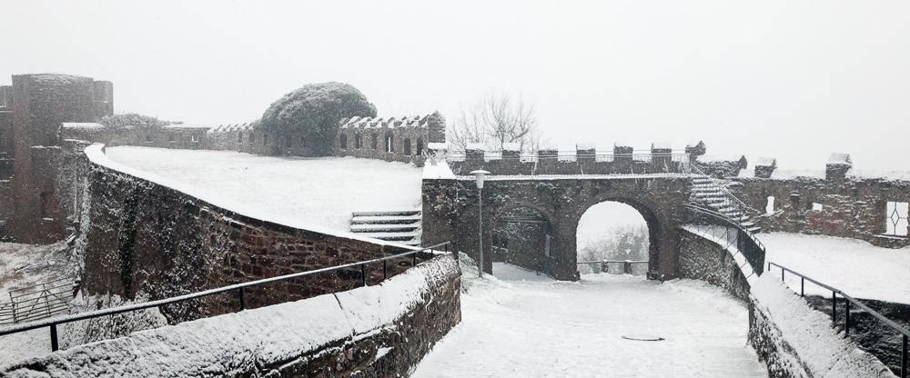 Burg Breuberg im Schnee